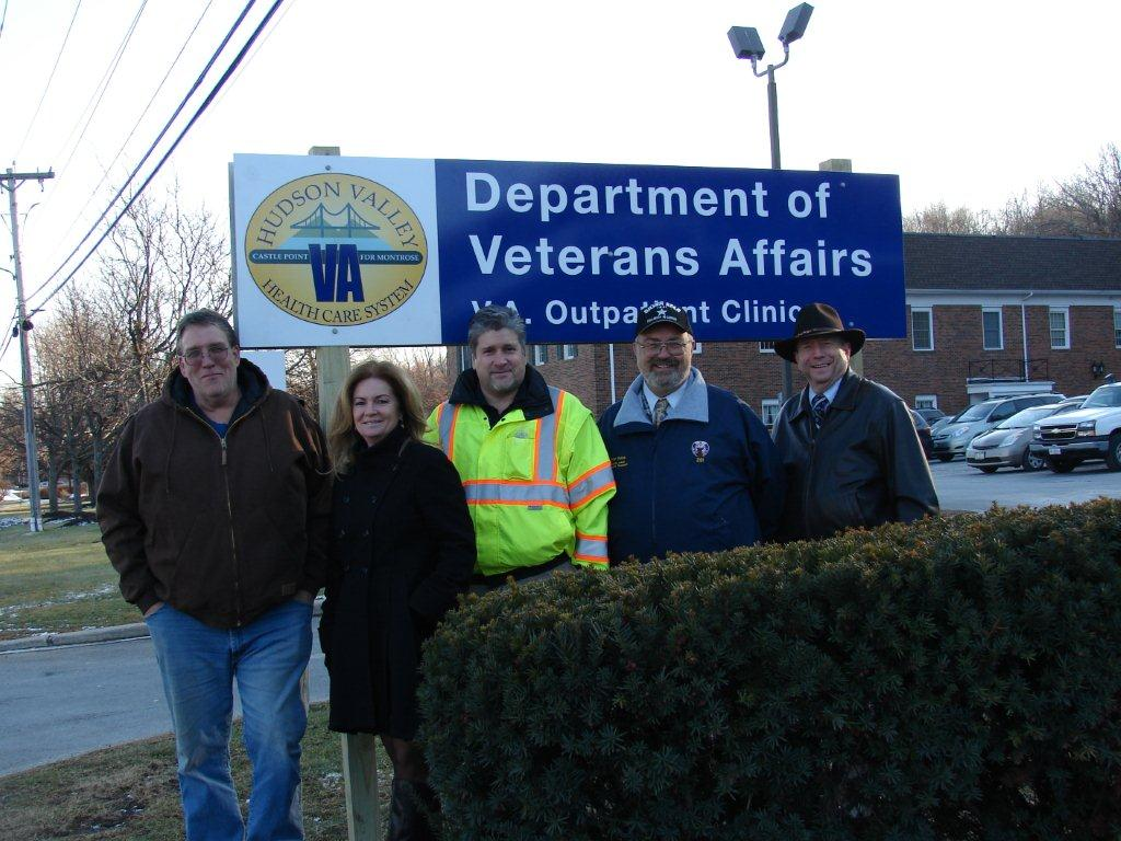 Veterans Health Clinic Gets New Sign
